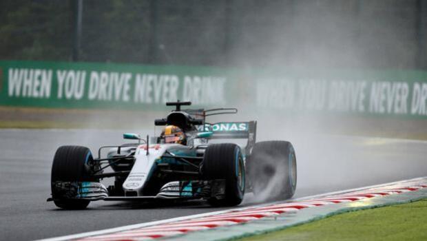 Vettel y Hamilton lideran los libres