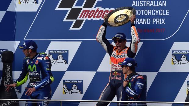 Márquez gana en Australia y roza el título
