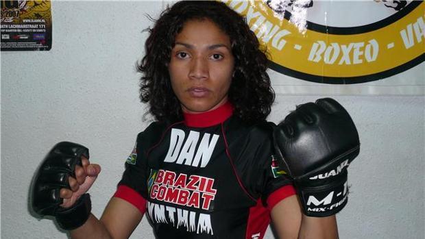 Karla Benítez: «Creo que podría haber llegado a la UFC, pero no me quejo de mi carrera deportiva»