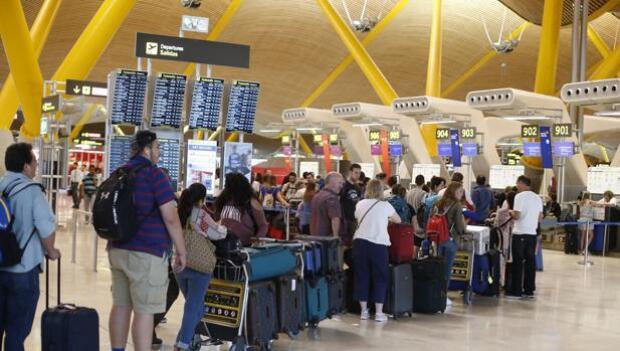 Cancelados 37 vuelos en España por la huelga de controladores franceses