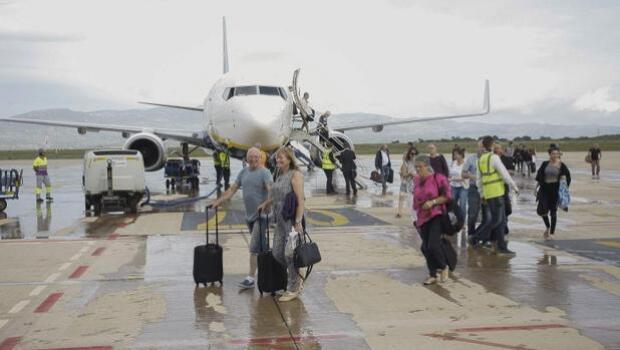 Los tripulantes de cabina de Ryanair crean un sindicato para acabar «con las relaciones laborales inexistentes»