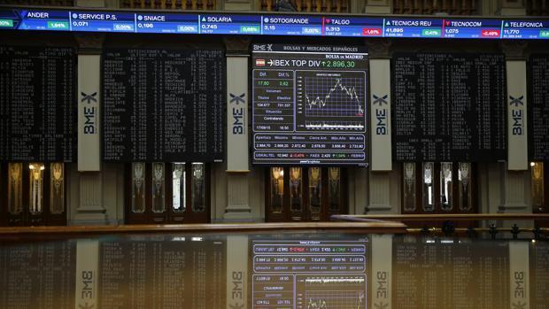 Fitch devuelve el «rating» de España a notable por primera vez desde el rescate