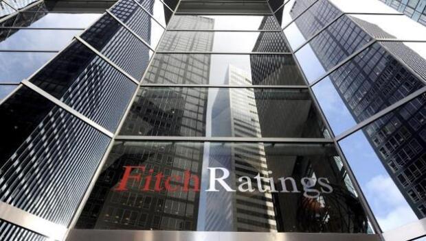 La prima de riesgo cae a 83 puntos y marca su nivel más bajo desde abril de 2010