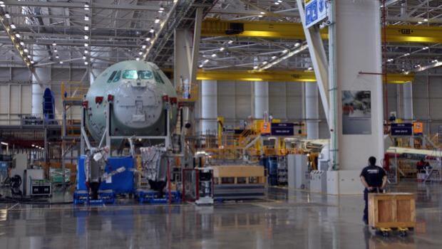 Trabajadores de Airbus en Sevilla: «Podría haber sido peor, hay muchos rumores»
