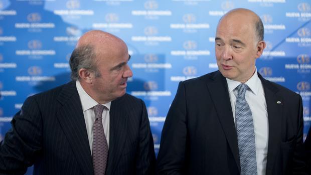 Moscovici se muestra convencido de que Guindos sabrá «cambiar de rol» en el BCE