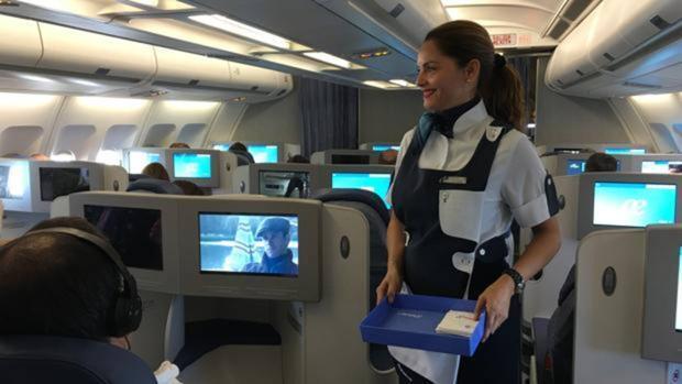 Los trucos para evitar que las aerolíneas te cobren por el equipaje de mano