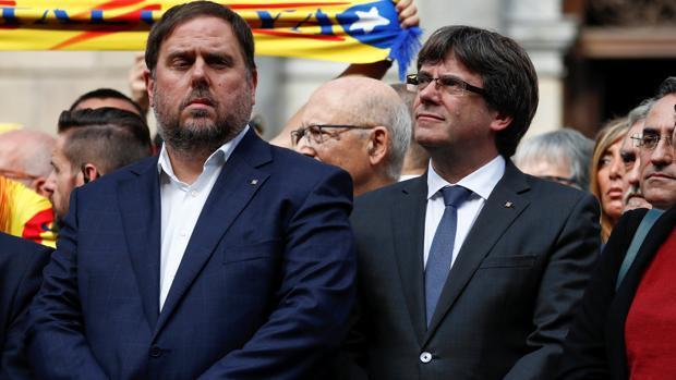 Directo manifestación: La Generalitat enmudece ante la manifestación multitudinaria por la unidad de España