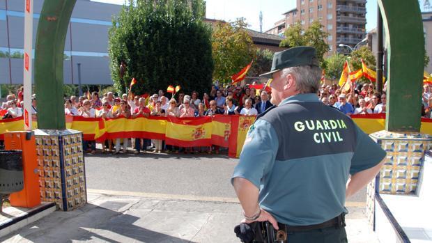 Cariñoso homenaje a la Guardia Civil en Talavera