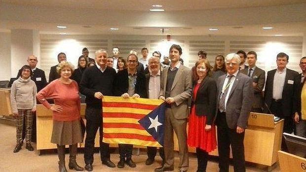 Compromís sale en tromba en defensa de los líderes independentistas catalanes encarcelados
