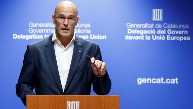 Romeva asegura en Bruselas que la Generalitat «no se echará atrás» si el Gobierno aplica el 155