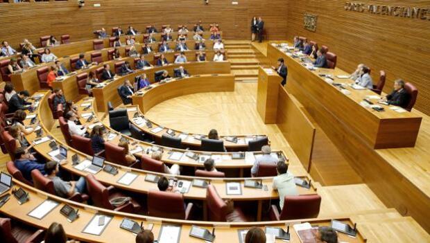 Las Cortes retoman la reforma de la ley electoral con roces por el 3% provincial y las listas cremallera