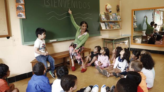 Casi la mitad de los profesores de la enseñanza pública aragonesa son interinos