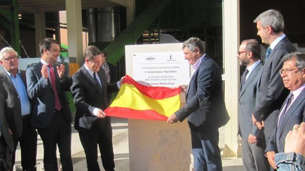 García-Page inaugura una planta en la cooperativa Avicon de Consuegra