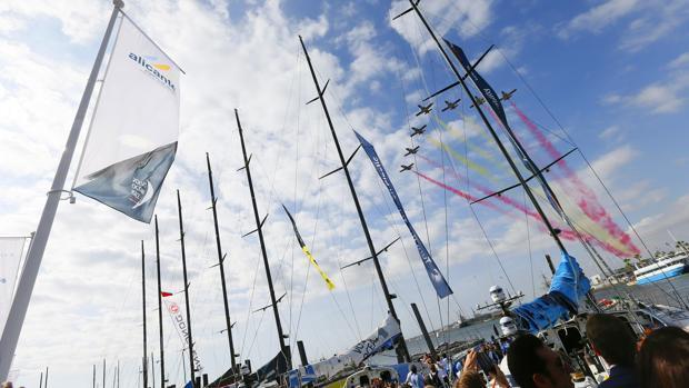 Más de 100.000 amantes de la vela despiden en Alicante a los barcos de la Volvo Ocean Race