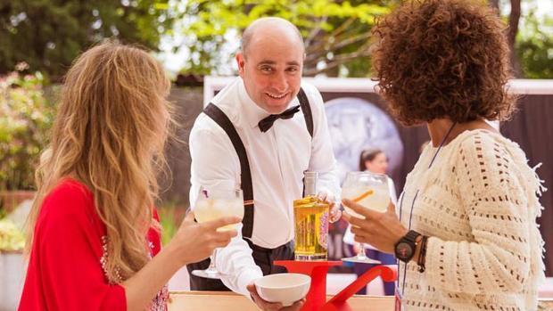 El barman talaverano Domingo Martín triunfa en el Concurso Nacional de Coctelería