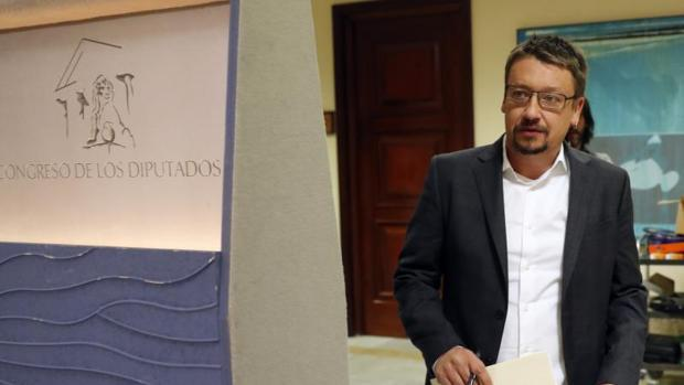 Iglesias deja tirado a Domènech en la presentación del recurso del 155