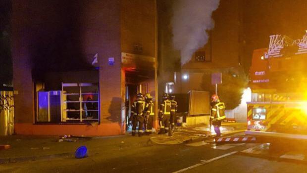 Una fuerte explosión en un local de Arganzuela obliga a desalojar un edificio en plena noche