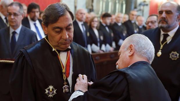 Sánchez Melgar toma posesión como fiscal general del Estado