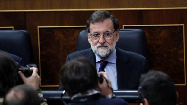 Rajoy reta a Iglesias a recurrir al TC si cree que no se cumple la Constitución en España
