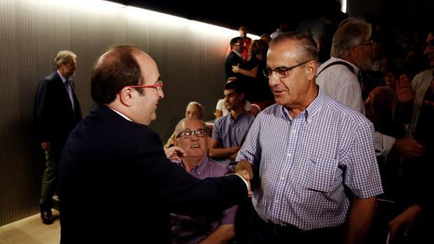 El exministro Celestino Corbacho abandona la militancia del PSC