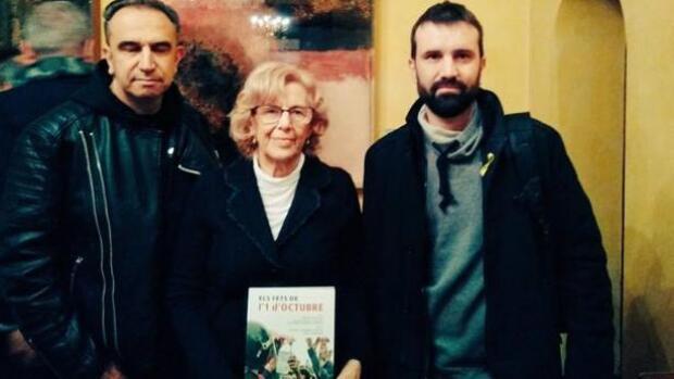 Carmena apoya un libro sobre el «odio étnico» y la «nazi» actuación en el 1-O