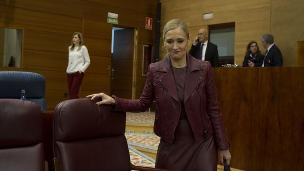 El Gobierno de Rajoy lleva a los tribunales la subida salarial en Justicia que aprobó Cifuentes