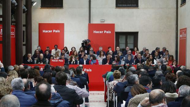 Sánchez logra la unanimidad oficial en el PSOE... hasta las elecciones