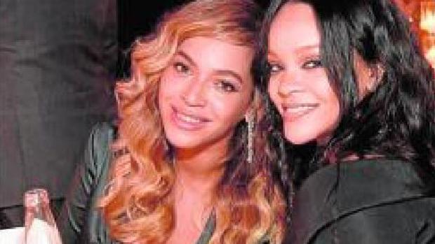 Beyoncé participa de una gala benéfica organizada por Rihanna