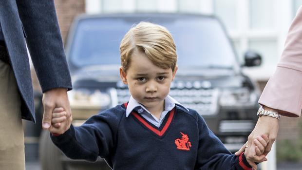 Acusan a un británico de dar datos del príncipe Jorge a posibles terroristas