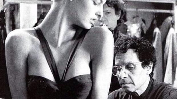 Los secretos de Azzedine Alaïa: sus musas revelan anécdotas desconocidas del diseñador
