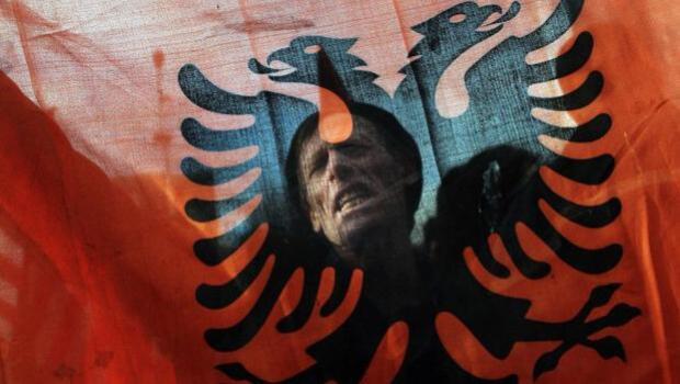 La desastrosa declaración unilateral de independencia en Kosovo que quiere seguir la Cataluña de Puigdemont