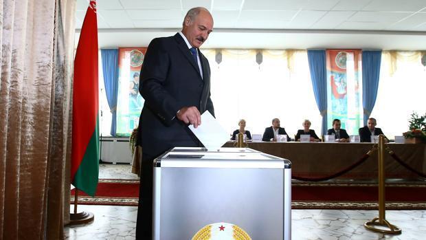 La oposición bielorrusa logra un escaño por primera vez en 20 años