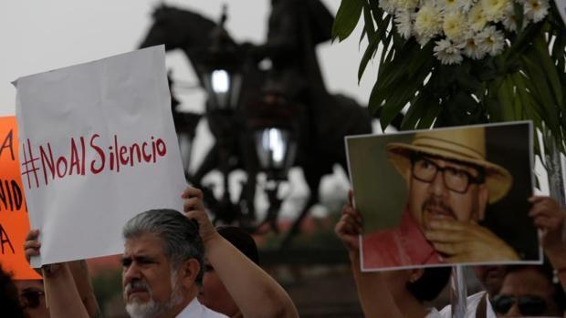 El periodista mexicano Javier Valdez fue asesinado de rodillas y con doce disparos