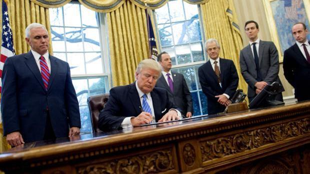 Un tribunal de EE.UU. mantiene el bloqueo al veto migratorio de Trump