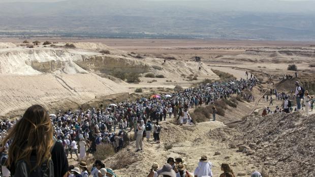 Más de 5.000 mujeres israelíes y palestinas marchan a través del desierto por la paz en Oriente Próximo