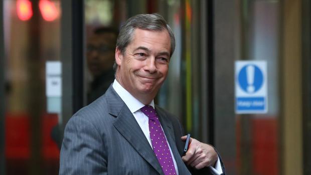 El eurófobo Farage cobrará 83.000 euros anuales de la UE