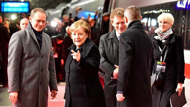 Merkel cree que habrá gobierno en Alemania dentro de tres meses