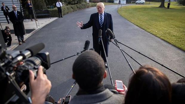Trump confía en su rebaja fiscal y el plan de infraestructuras para salvar el mandato