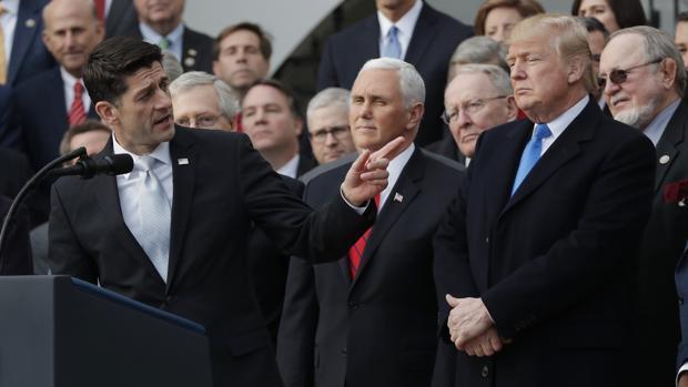 Los republicanos creen que la reforma fiscal se pagará por sí misma