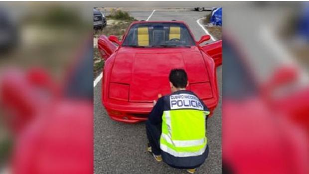 Detenido por cambiar la carrocería de un coche para venderlo como si fuera un Ferrari
