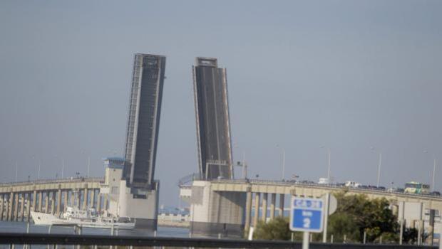 Apertura del puente Carranza a las 9 horas