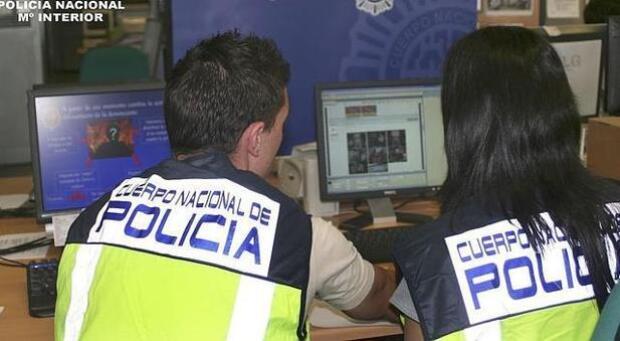 La Policía previene a los comerciantes de un nuevo método de robo que utiliza a falsos revisores