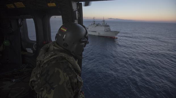 El ejercicio 'Marfibex-81' reúne a 1300 militares en la Bahía de Cádiz