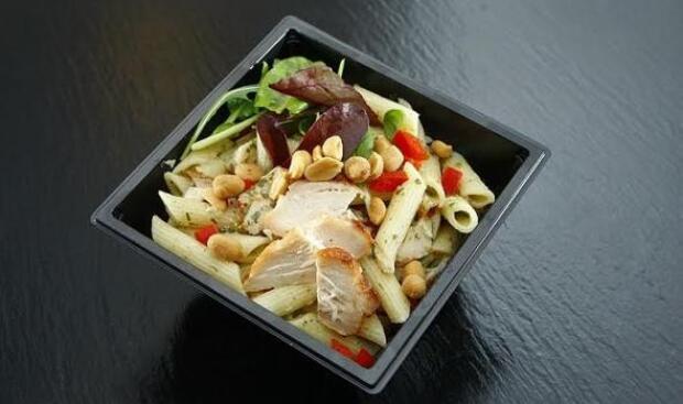 Las 'comidas para llevar' aumentan el riesgo cardiovascular y de diabetes en los niños