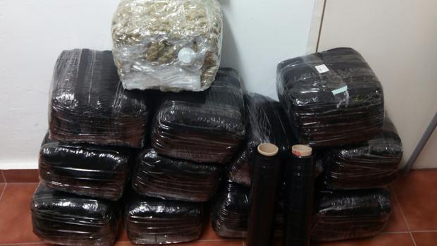 Dos ciudadanos chinos detenidos en Sevilla por llevar 34 kilos de marihuana