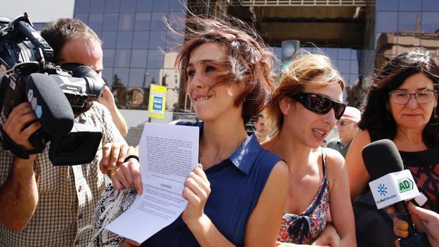 El juzgado pide a Juana Rivas y a su expareja que no hagan públicas las vidas de sus hijos
