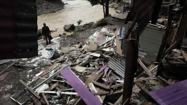 Nate se fortalece en el Golfo de México y se convierte en un huracán de categoría 1