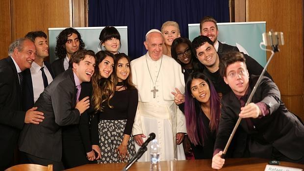 La humanidad del Papa Francisco en sus 500 mejores tuits