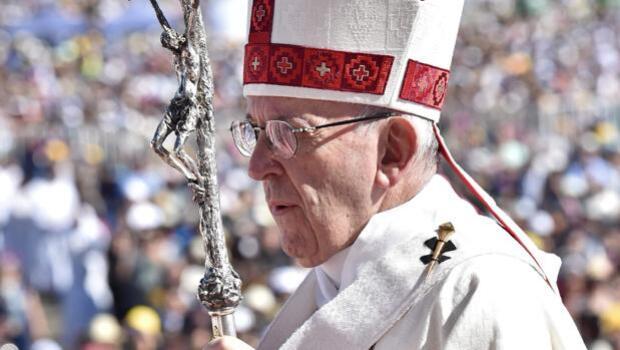 Continúan los ataques incendiarios en el Chile que recorre el Papa Francisco