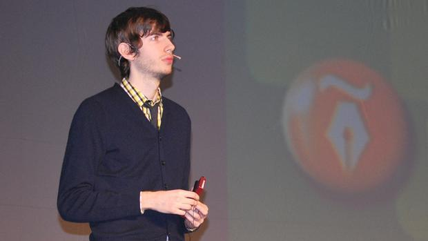 Dimite David Karp, fundador y CEO de Tumblr